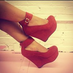 Red ;*