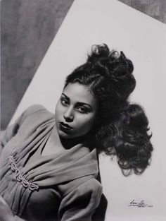 Van Leo, Photograph of an Unknown Egyptian Woman, 1949