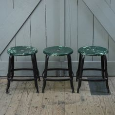 French vintage stools By: Harvest & Company http://lokalinc.nl/profile/harvest-and-company