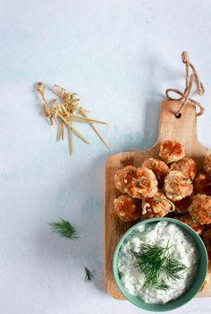 Griekse gehaktballetjes met yoghurtdip / www.eenlepeltjelekkers.be