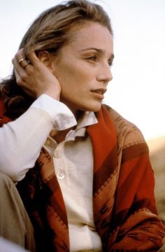 The English Patient - Kristin Scott-Thomas as Katherine Clifton The English Patient, Kristin Scott Thomas, Le Patient Anglais, The Crown Series, Paranormal Romance Series, Actrices Hollywood, Star Wars, Classic Films, Electric Blue