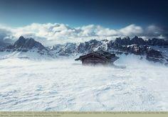 Früh Morgens schneegestöber am Gabler, im Hintergrund links Peitlerkofel und rechts die Aferer Geisler, Dolomiten, Unesco Weltkulturerbe, Italien