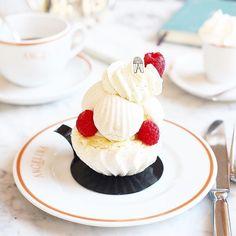 Regardez cette photo Instagram de @topparisresto • 2,515 J'aime  #resto #paris #parisresto #topparisresto #eatinparis #bonnesadresses #bonneadresse #restaurant #restaurantparis #parisrestaurant #cafe #café #coffee