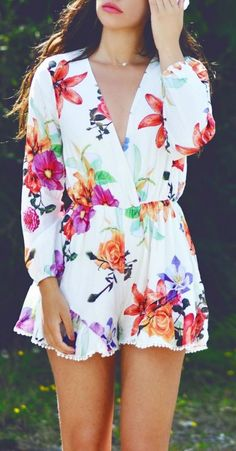 #street #style Floral Romper Wachabuy