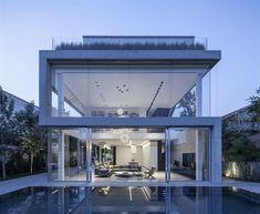 House | Concrete Cut - Ramat Gan ,2012-2014 by Pitsou Kedem | Photography Amit Geron | Exterior
