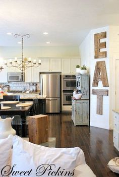 I love this kitchen :)