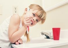 Ease up on your gums — don't brush your teeth too hard! Sandra Armstrong and Dr. Gum Health, Kids Health, Oral Health, Cold Wear, Tooth Sensitivity, Receding Gums, Bone Loss, Dentistry, Dental