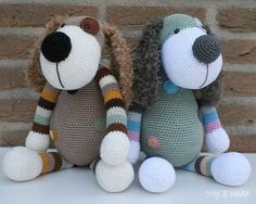 I don't know how to crochet, but I thought these were adorable Lion Crochet, Crochet For Kids, Crochet Animals, Crochet Dolls, Crochet Baby, Knit Crochet, Amigurumi Doll, Amigurumi Patterns, Loom Patterns