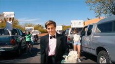 Emma Stone ha contestado a Jacob Staudenmaier, el joven que hace unos días recreaba la escena inicial de La ciudad de las estrellas - La La Land, para que la ganadora del Oscar fuese su pareja en...