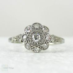 1920s Diamond Engagement Ring, Daisy Shaped Diamond Cluster. Art Deco Diamond Ring in White Gold & Platinum.