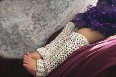 Manda Nicole's Crochet Patterns: Ribbed V-Stitch Leg Warmers