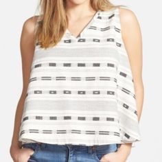 "Madewell Split Back Tank szL NWT An overlapping split back creates a boxy silhouette on a casual dot-stripe printed tank that's inexplicably feminine and carefree, around 24"" length, back button closure, 73% cotton, 27% viscose ✨✨ Madewell Tops Tank Tops"