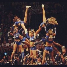Now THIS is what you call REAL cheerleading(;
