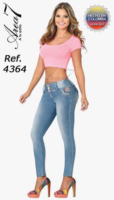 www.skastudiousa.com   Colección primaveral de jeans Area 7 ...