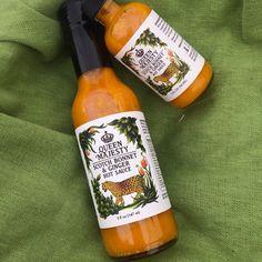 Queen Majesty Hot Sauce Farm 2, Ginger Sauce, Mean Green, Green Bowl, Hot Sauce Bottles, Veggies, Queen, Mood, Vegetable Recipes