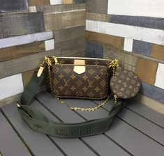 Louis Vuitton Multi Pochette Accessories If you like Fashion Checkout our Roku Channel! Accessoires Louis Vuitton, Pochette Louis Vuitton, Louis Vuitton Handbags, Tote Handbags, Louis Vuitton Monogram, Vuitton Bag, Types Of Bag, Best Bags, Everyday Bag
