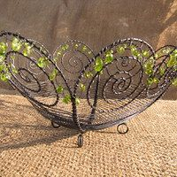Zboží prodejce Adoxa moschatellina / Zboží | Fler.cz Wire Crafts, Metal Crafts, Diy And Crafts, Wire Flowers, Wire Trees, Metal Baskets, Wire Art, Handmade Accessories, Metal Art