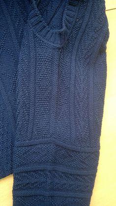 Размер L. Пряжа Lineapiu Group Tebe (140м-50гр),цвет 32034 100% меринос, 14 мотков. Линяет, как и весь знакомый мне тейб. Спицы 3.0, 2.5, 2.0. Текстурный мотив из Сандры 11/97. Техника…