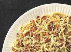 A basic creamy carbonara recipe to go with all types of pasta. Dairy Goodness is an excellent source of recipes, Sauce Carbonara, Valeur Nutritive, Saute Onions, Smoked Chicken, The Fresh, Sauce Recipes, Pasta Dishes, Main Dishes, Spaghetti