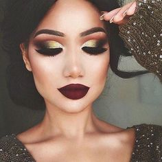 Glittery smokey eyes done with perfection #repost from @makeupbyalinna  _______________________________#TaniaMariaMUA  #morphebrushes #wakeupandmakeup #makeupartist #makeup #MUA #dressyourface #contour #liveglam #beauty #TaniaMaria #LosAngeles #Glow #TaniaGlow #makeuptips #makeuptutorial #brian_champagne #motd #makeupoftheday #inspired #smokeyeye #glitter
