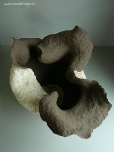 """Collection: """"Movements"""", """" How to move"""" . Ceramic sculture by Els Vanwijnsberghe"""