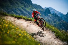 Mad skill pic from pinkbike. Come see our amazing deals up to 60% off at http://montereymountainbike.com/black-friday-cyber-monday-mountain-bike-deals/