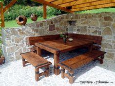 Rustic Style - Rustikale Möbel aus massiver Eiche, mit Holznägel verbunden und optisch belegt mit geschmiedeten Eisenbeschlägen - Massivholztisch in Eiche rustikal