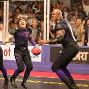 Ben Stiller, Missi Pyle, and Jamal Duff in Dodgeball: A True Underdog Story Nba Memes, Funny Memes, Funny Shit, Missi Pyle, Submarine Movie, Inappropriate Memes, Ben Stiller, Movie Couples, Things To Do In London