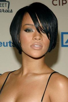 [HAIR DO: Rihanna's simple, natural looking bob hairstyle. Love how sultry this look is. Nice everyday hairstyle and makeup.]