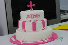 #Ponque de Primera Comunión.   info@mocka.co   300 60080239   www.mocka.co  #pasteleria #cakeshop #torta #pastel #primeracomunion #bakery #cake #firstholycomunion #holycomunion