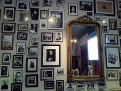 Alguns dos melhores cantores e guitarristas de Fado de Coimbra de todos os tempos. Gallery Wall, Mirror, Frame, Furniture, Home Decor, Guitar Players, Picture Frame, Decoration Home, Room Decor