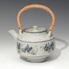 Colin Kellam tea pot