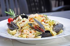 Main Courses, Paella, Pasta Salad, Dishes, Ethnic Recipes, Food, Main Course Dishes, Crab Pasta Salad, Entrees