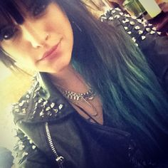 juliet simms green hair