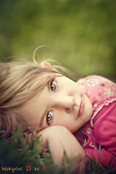 Childrens photography tips...love this close up.
