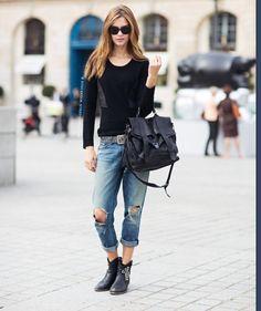 Loving the boyfriend jeans/long hair style combination