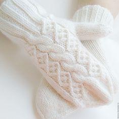 """Купить Варежки женские """"White winter"""" - белый, однотонный, варежки, варежки женские, женские варежки"""