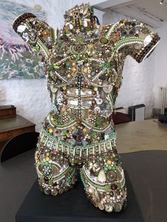 Mannequin Torso, Mannequin Art, Jewelry Crafts, Jewelry Art, Vintage Jewelry, Unique Jewelry, Dress Form Christmas Tree, Fantasy Wire, Steampunk Pirate