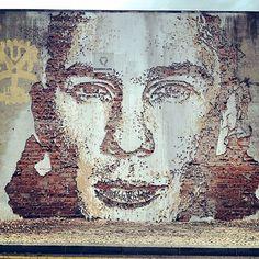 http://www.upperplayground.com/wp-content/uploads/2012/05/jux_vhils.jpg    awesome street art