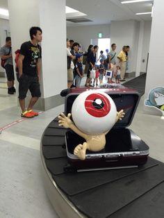 米子鬼太郎空港では、こうして目玉おやじが迎えてくれるのだ。