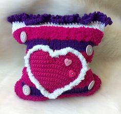 Kissen Herz gestrickt Kissen Throw Pillow Throw Pillow Sofa Kissen Geschenk Muttertag Handtasche - We love Etsy - Deko Crochet Hats, Beanie, Etsy, Accessories, Worth It, Great Gifts, Mother's Day, Kawaii, Hearth Pad