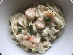 Fettuccini com molho branco de camarão