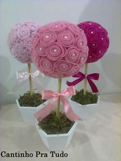 Ingenious Methods of Creating Insanely Beautiful DIY Paper Roses and Transform Your Decor Felt Crafts, Diy And Crafts, Crafts For Kids, Paper Crafts, Diy Paper, Felt Decorations, Flower Decorations, Felt Flowers, Fabric Flowers