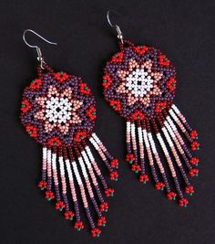 Aretes Indio Americano | Etsy Seed Bead Earrings, Beaded Earrings, Seed Beads, Crochet Earrings, Native American Earrings, Native American Fashion, Bead Loom Bracelets, Beading Techniques, Beaded Jewelry Patterns