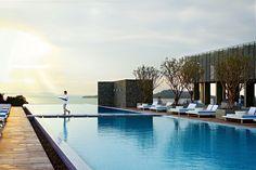 4. Point Yamu (Phuket, Tailandia) - AD España, © D.R. La piscina de 100 metros de largo con vistas al mar de Andamán. Foto D.R.