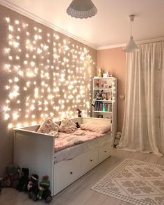 Small Dorm room Ideas That Are Look Stylishly & Space Saving ~ Beautiful House Bedroom Decor For Teen Girls, Small Room Bedroom, Room Decor Bedroom, Bedroom Ideas For Small Rooms For Girls, Ikea Girls Room, Girls Room Curtains, Space Saving Bedroom, Small Bedroom Storage, Small Room Decor