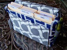 how to make a coupon organizer bag / holder tutorial pattern. #sewing #pattern