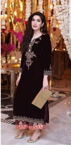 Women S Fashion Trivia Questions Nikkah Dress, Pakistani Wedding Dresses, Pakistani Outfits, Indian Dresses, Indian Outfits, Indian Fashion Trends, Ethnic Fashion, Asian Fashion, Velvet Dress Designs
