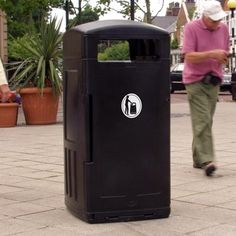 Made from a tough Durapol® material, the Grampian™ outdoor litter bin is an ideal waste management solution for when waste volume is high. #GlasdonUK #ExternalLitter #Bins
