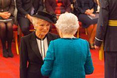 Investitures at Buckingham Palace Jolie Pitt, Angelina Jolie, Julie Walters, Angela Lansbury, Maggie Smith, Judi Dench, Helen Mirren, Diana Spencer, British Actresses